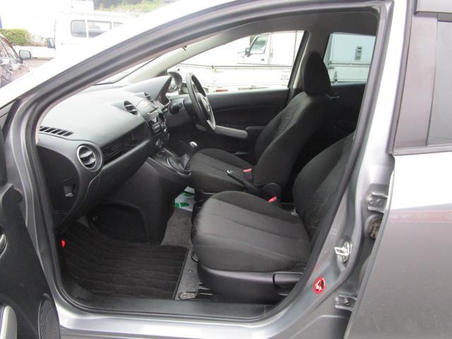 13C キーレス 記録簿付き 禁煙車 CD再生 エアコン パワーウィンドウ パワーステアリング Wエアバッグ ABS(28枚目)