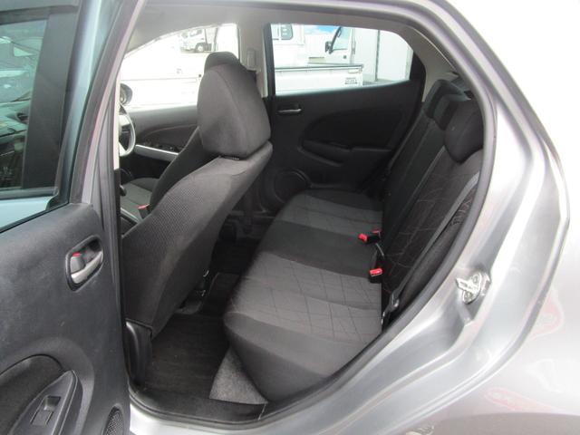 13C キーレス 記録簿付き 禁煙車 CD再生 エアコン パワーウィンドウ パワーステアリング Wエアバッグ ABS(30枚目)