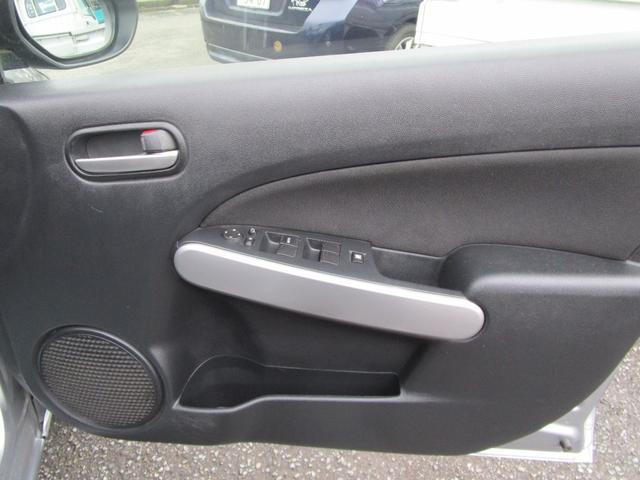 13C キーレス 記録簿付き 禁煙車 CD再生 エアコン パワーウィンドウ パワーステアリング Wエアバッグ ABS(48枚目)