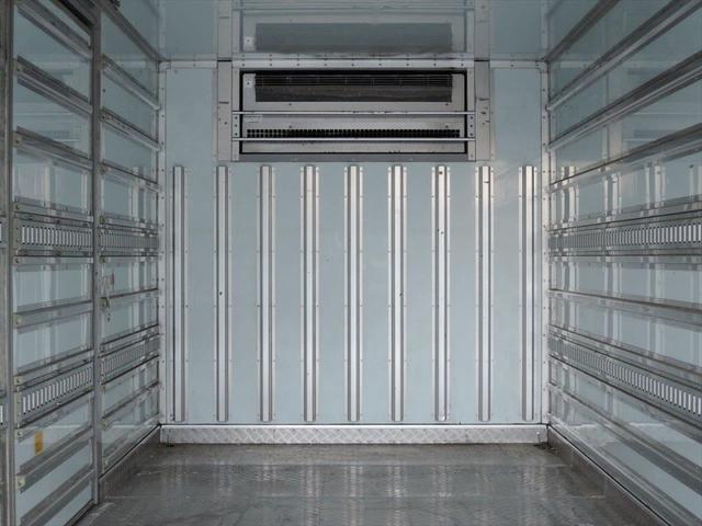 三菱ふそう ファイター 三菱 冷蔵冷凍車 リアエアサス 増トン