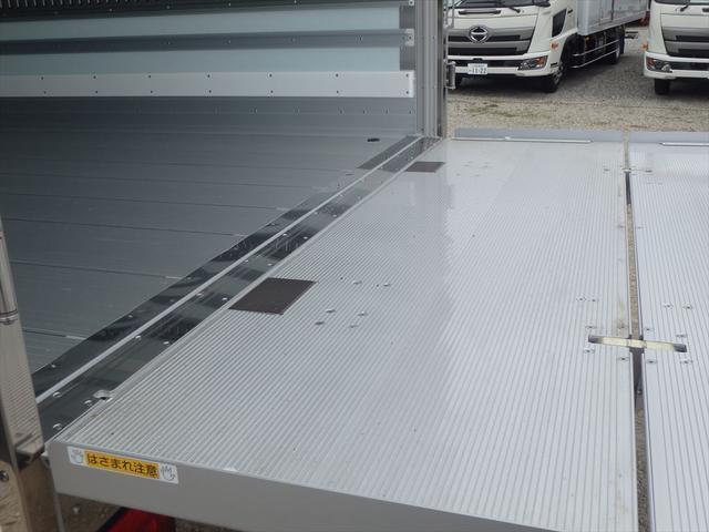 日野 レンジャー 日野 中型冷凍車 格納ゲート