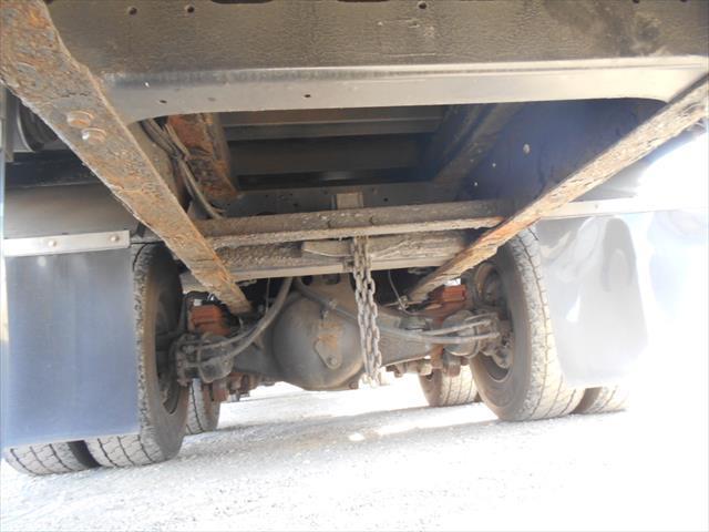 社名のシールはがし、故障部分の修理も対応済みです。もちろん納車後のメンテナンス、車検もサポートしていますので、安心してご利用いただけます。