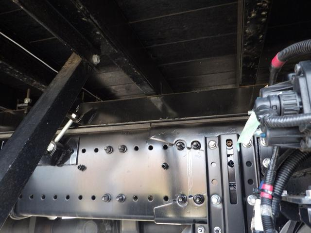 お客様に安心、安全快適に使用していただけるよう、入庫後すぐに当社既定のチェックシートによる点検を行います。もし要修理と判断させていただいた場合はすぐに修理、整備を行います。