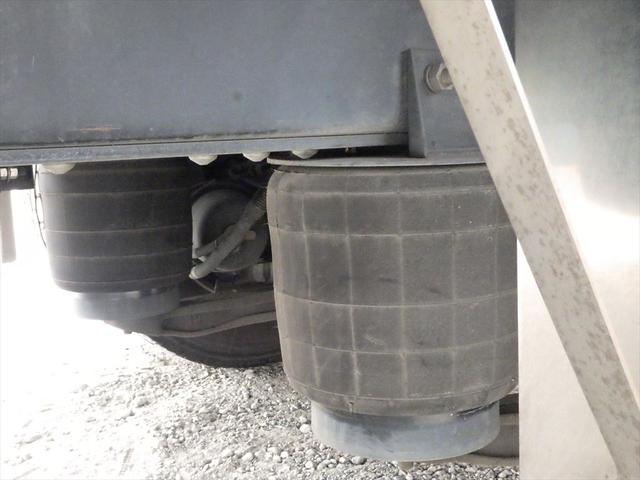 厚木の展示場にて各種トラックございます!是非お立ち寄りください!お問い合わせは0066-9708-3863まで!!