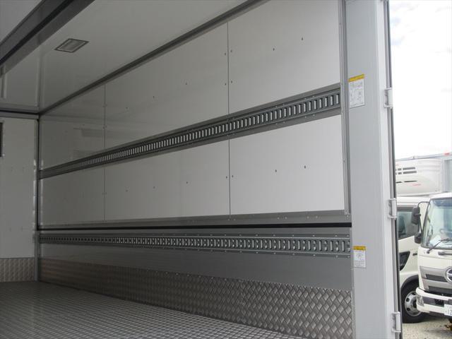 日野中型冷凍ウイング(11枚目)