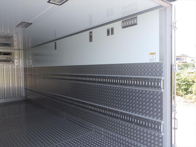 日野 中型冷凍車(10枚目)