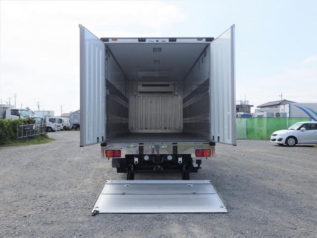 日野 中型冷凍車(13枚目)