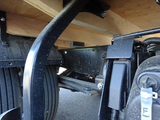 通常の車検、3ヶ月点検に加え、一般的な整備もご相談ください。オイル交換や水漏れの点検、不具合整備など、故障トラブルを未然に防ぐためにトラック専門店ならではの安心の整備を提供させていただきます。
