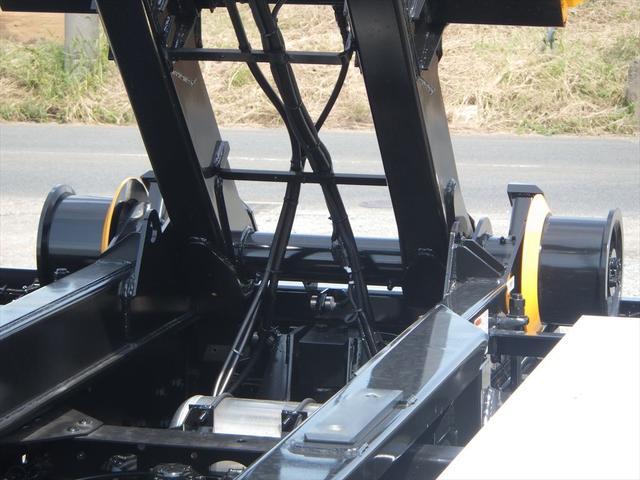 「クレーンを取り付けたい」、「パワーゲートをつけて欲しい」、「荷台だけ新しくしたい」など、どんなリクエストもお寄せください。知識や経験を生かし事業内容や作業に合わせたトラックを自社工場にて架装致します