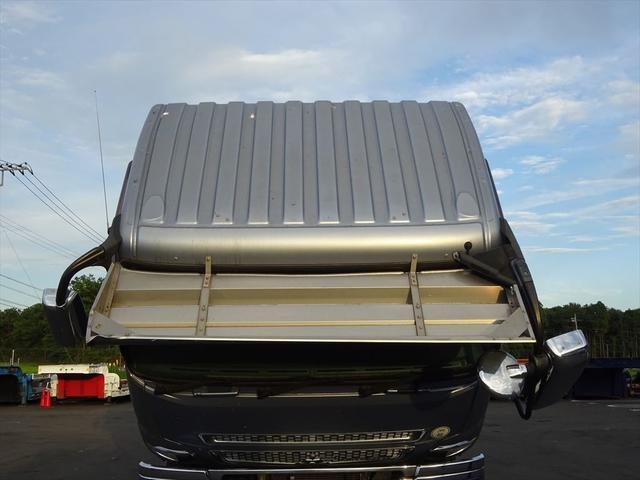 販売だけではなく、整備・保険・レンタカー・買取とトータルにお客様をサポート!お問い合わせは0066-9708-3863まで!!