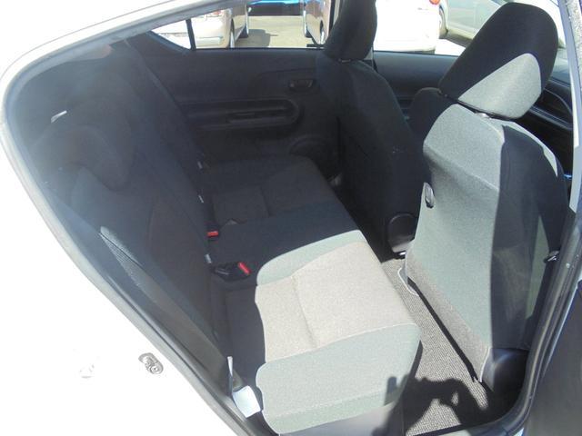 Sスタイルブラック トヨタセーフティーセンス 純正ナビ ブルートゥース フルセグTV ステアリングスイッチ バックカメラ スマートキー メーカーオプションスペアタイヤ ETC ドライブレコーダー(14枚目)