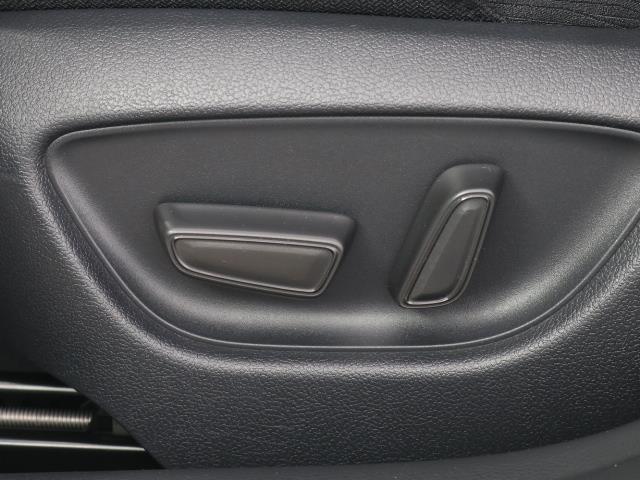 S Cパッケージ トヨタセーフティセンス(衝突回避システム)TSS+ICS搭載・SDナビゲーション・Bモニター・ETC・スマートキー・純正ドライブレコーダー・レーダークルーズコントロール機能・記録簿・ワンオーナー車(14枚目)