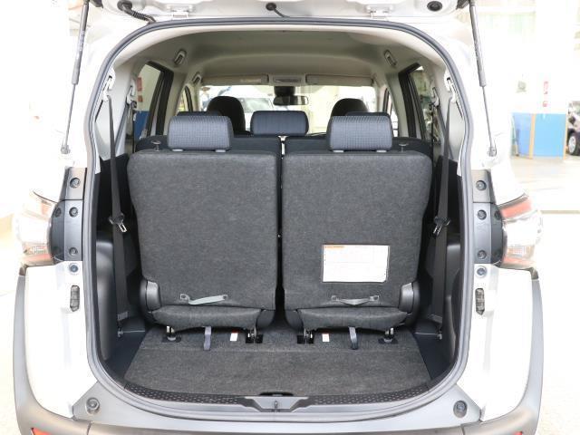 G 7人乗・ガソリン車・9,400km・トヨタセーフティセンス(衝突回避システム)TSS搭載・純正SDナビ・Bモニター・ETC・両側電動スライドドア・スマートキー・記録簿・トヨタロングラン保証付き(16枚目)