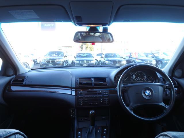 BMW BMW 325iツーリング ハイラインPKG 社外18AW 黒本革