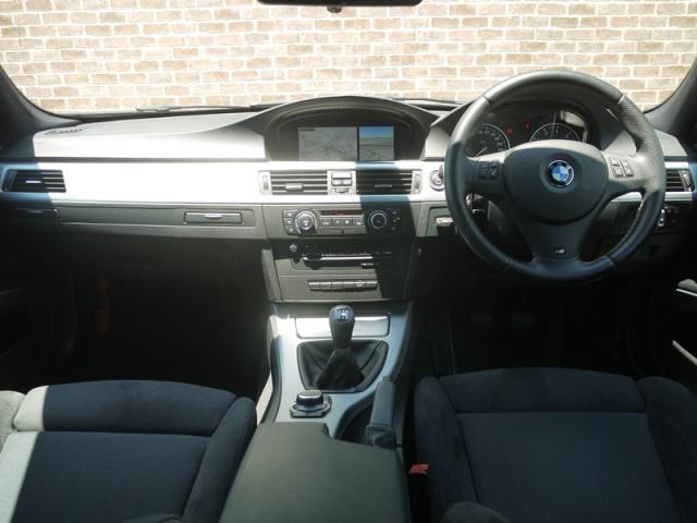 BMW BMW 320i Mスポーツ 6MT 純正ナビ アイドリングストップ