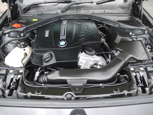 M235i HDDナビ インテリジェントセーフティーー 黒革(17枚目)