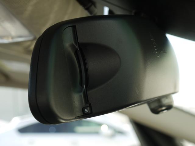 218iグランツアラー 白革 シートヒーター コンフォートアクセス インテリジェントセーフティー ドライブモード パワーゲート 地デジ パノラマサンルーフ ヘッドアップディスプレイ ETC バックカメラ PDC(13枚目)