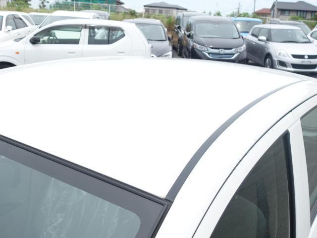 女性スタッフも常駐しております。『車屋さんは男だらけのイメージでなんだかこわそう』というお客様、ご安心ください。