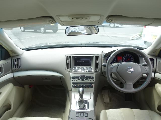 250GT 禁煙車 純正CDオーディオ CD再生 AUX接続 スマートキー ETC ハーフレザーシート パワーシート オートエアコン オートライト HIDヘッドライト 純正17インチアルミ(10枚目)