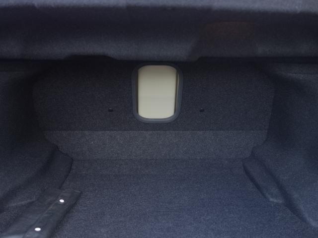 250GT 禁煙車 純正CDオーディオ CD再生 AUX接続 スマートキー ETC ハーフレザーシート パワーシート オートエアコン オートライト HIDヘッドライト 純正17インチアルミ(21枚目)