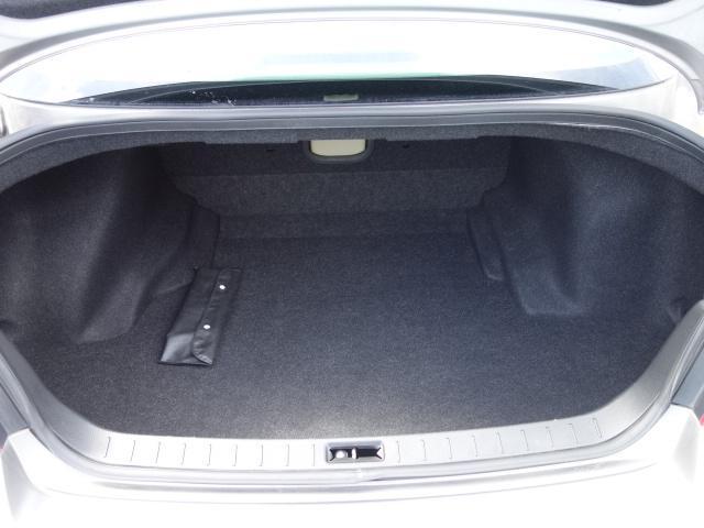 250GT 禁煙車 純正CDオーディオ CD再生 AUX接続 スマートキー ETC ハーフレザーシート パワーシート オートエアコン オートライト HIDヘッドライト 純正17インチアルミ(49枚目)