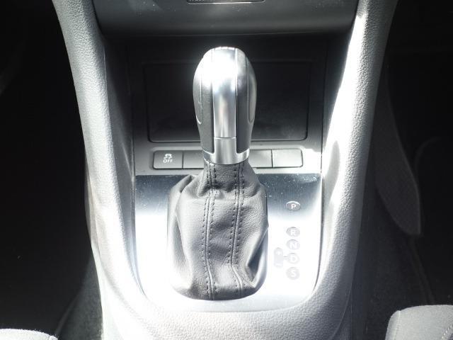 TSIトレンドラインプレミアムエディション 禁煙車 純正CDオーディオ AUX接続 キーレス ETC オートライト サイドバイザー Wエアバッグ ABS コーナーポール 純正15インチアルミ(12枚目)