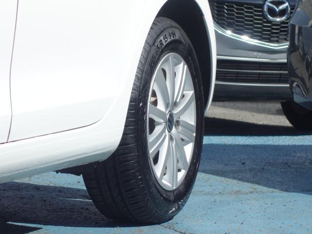 TSIトレンドラインプレミアムエディション 禁煙車 純正CDオーディオ AUX接続 キーレス ETC オートライト サイドバイザー Wエアバッグ ABS コーナーポール 純正15インチアルミ(26枚目)