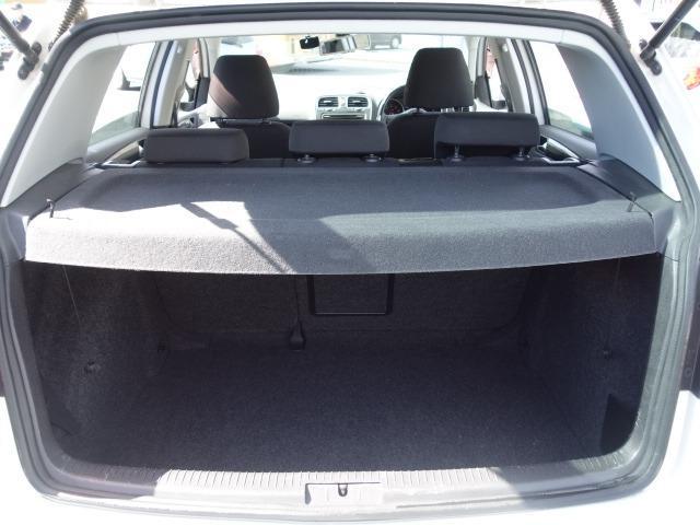 TSIトレンドラインプレミアムエディション 禁煙車 純正CDオーディオ AUX接続 キーレス ETC オートライト サイドバイザー Wエアバッグ ABS コーナーポール 純正15インチアルミ(48枚目)