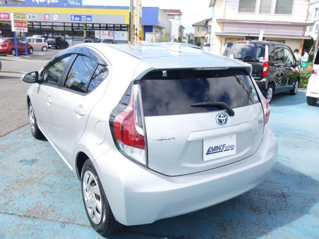 S 禁煙車 社外CDデッキ キーレス ETC オートエアコン サイドバイザー Wエアバッグ ABS AUX接続(7枚目)