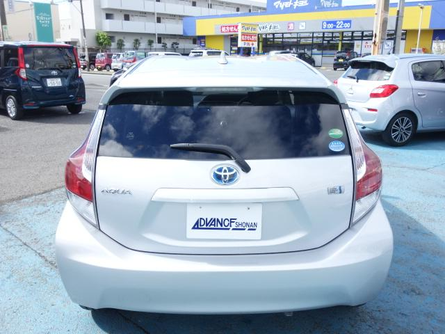 S 禁煙車 社外CDデッキ キーレス ETC オートエアコン サイドバイザー Wエアバッグ ABS AUX接続(8枚目)