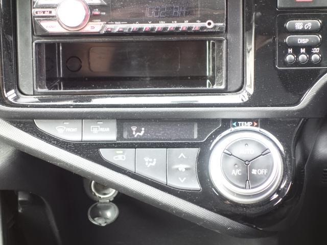 S 禁煙車 社外CDデッキ キーレス ETC オートエアコン サイドバイザー Wエアバッグ ABS AUX接続(35枚目)