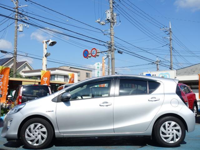 S 禁煙車 社外CDデッキ AUX接続 キーレス オートエアコン サイドバイザー Wエアバッグ ABS(6枚目)