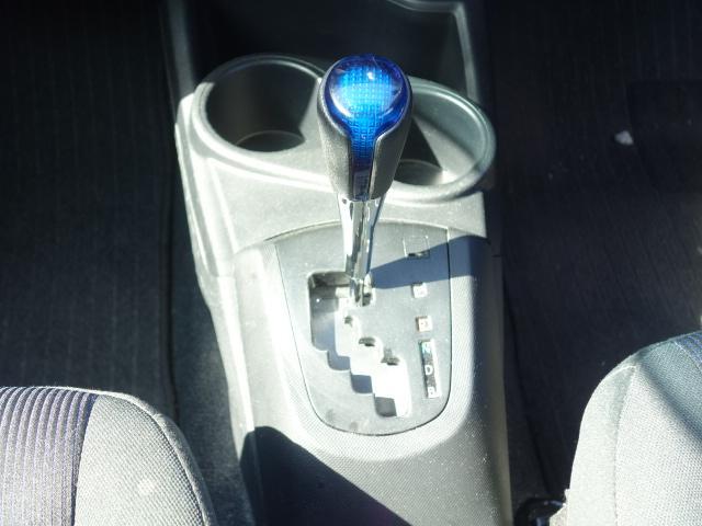 S 禁煙車 社外CDデッキ AUX接続 キーレス オートエアコン サイドバイザー Wエアバッグ ABS(13枚目)