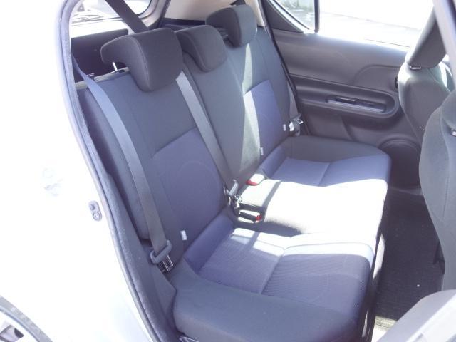 S 禁煙車 社外CDデッキ AUX接続 キーレス オートエアコン サイドバイザー Wエアバッグ ABS(15枚目)