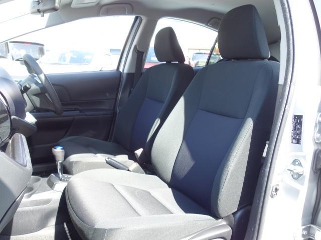 S 禁煙車 社外CDデッキ AUX接続 キーレス オートエアコン サイドバイザー Wエアバッグ ABS(16枚目)