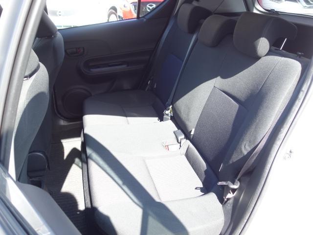 S 禁煙車 社外CDデッキ AUX接続 キーレス オートエアコン サイドバイザー Wエアバッグ ABS(17枚目)