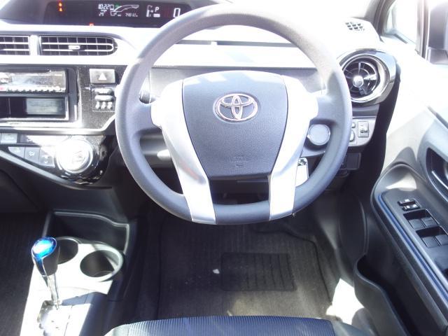 S 禁煙車 社外CDデッキ AUX接続 キーレス オートエアコン サイドバイザー Wエアバッグ ABS(23枚目)