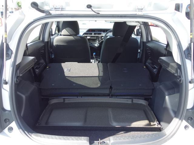 S 禁煙車 社外CDデッキ AUX接続 キーレス オートエアコン サイドバイザー Wエアバッグ ABS(49枚目)