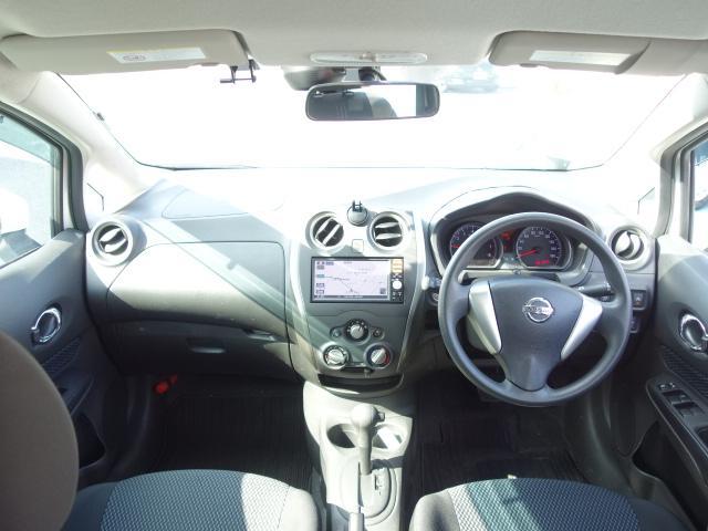 X 禁煙車 純正SDナビ スマートキー ETC ブレーキアシスト レーンキーピング アイドリングストップ オートライト サイドバイザー Wエアバッグ ABS(10枚目)