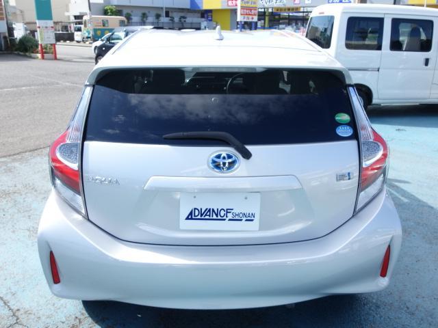 G 禁煙車 社外CDデッキ スマートキー ETC クルーズコントロール ブレーキアシスト レーンキーピング サイドバイザー オートエアコン オートライト Wエアバック ABS(7枚目)
