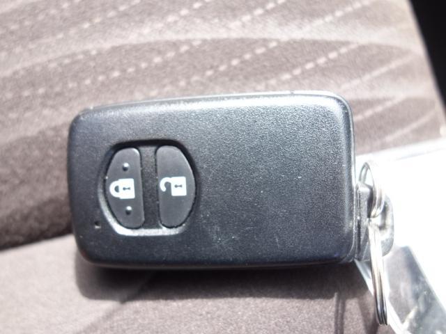 G 禁煙車 社外CDデッキ スマートキー ETC クルーズコントロール ブレーキアシスト レーンキーピング サイドバイザー オートエアコン オートライト Wエアバック ABS(25枚目)