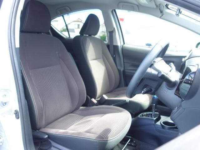 G 禁煙車 社外CDデッキ スマートキー ETC クルーズコントロール ブレーキアシスト レーンキーピング サイドバイザー オートエアコン オートライト Wエアバック ABS(45枚目)