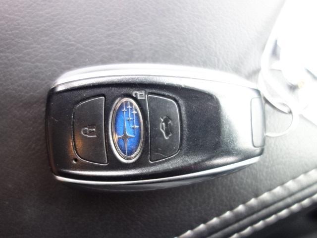 S-リミテッド ハーフレザーシート ワンーオーナー 禁煙車 純正SDナビ Bluetooth対応 フルセグTV スマートキー ETC バックカメラ クルーズコントロール パドルシフト アイドリングストップ アイサイト(26枚目)