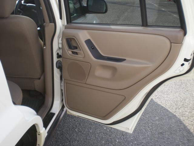 クライスラー・ジープ クライスラージープ グランドチェロキー ラレード ワンオーナー車 HDDナビバックモニター ETC