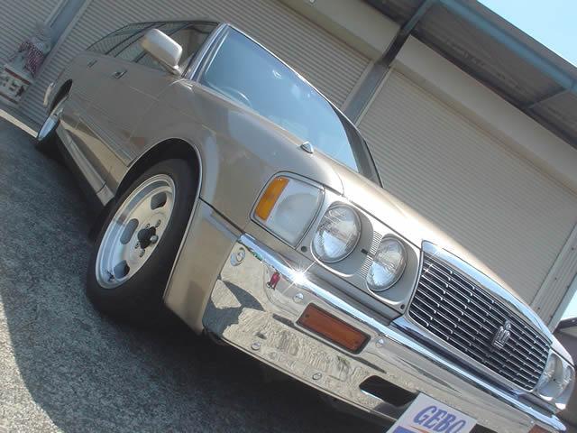 トヨタ クラウンステーションワゴン ロイヤルサルーン 丸目 ベンチシート スチールバンパー