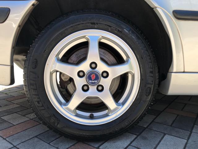 タイヤは2016年製造ミシュラン エナジーセイバーで御座います。劣化も無く、溝もまだ残っておりますので安心してお乗り頂けます♪