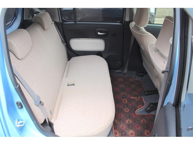 シート、マットなどインテリアの著しい使用感なくとても良いコンディションを保っている車両です。