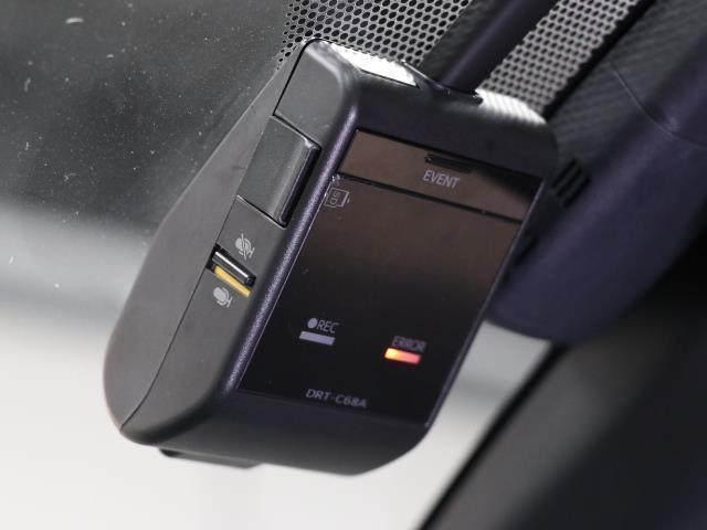 S フルセグ バックカメラ ドラレコ 衝突被害軽減システム ETC LEDヘッドランプ フルエアロ DVD再生 ミュージックプレイヤー接続可 記録簿 安全装備 オートクルーズコントロール ナビ&TV CD(15枚目)