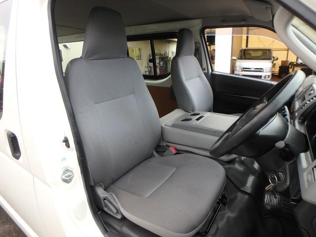 トヨタ レジアスエースバン ロングDX ディーゼルターボ 5ドア 2WD
