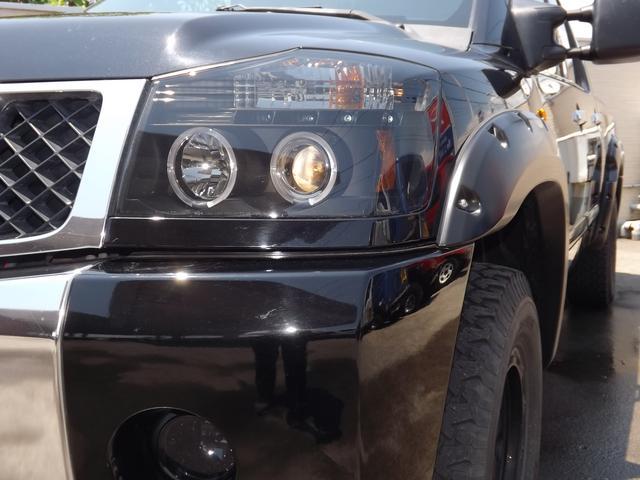 米国日産 タイタン クルーキャブSE リフトアップ 4WD オーバーフェンダー